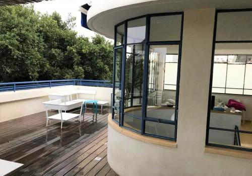 דירת גג בבניין באוהאוס מדהים !!!